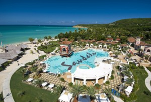 Sandals Grande Antigua Pool
